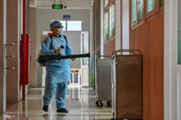 Carry out the spraying of antibacterial agents quickly, effectively and safely